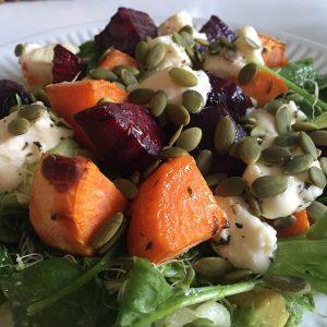 Lun salat med fest-ost